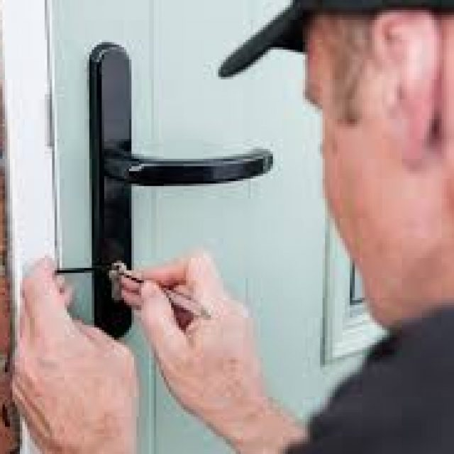 Hire the locksmith to deal with any kind of lock problem