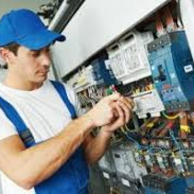 What is An Electrician?